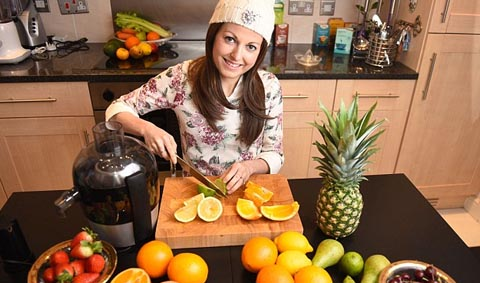 Mother Beats Cancer With Juicing When She Had Only Two Weeks To Live