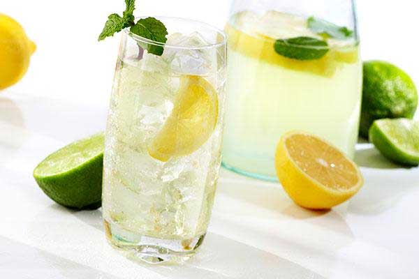 This is Why You Should Never Put a Lemon Wedge In Your Drink